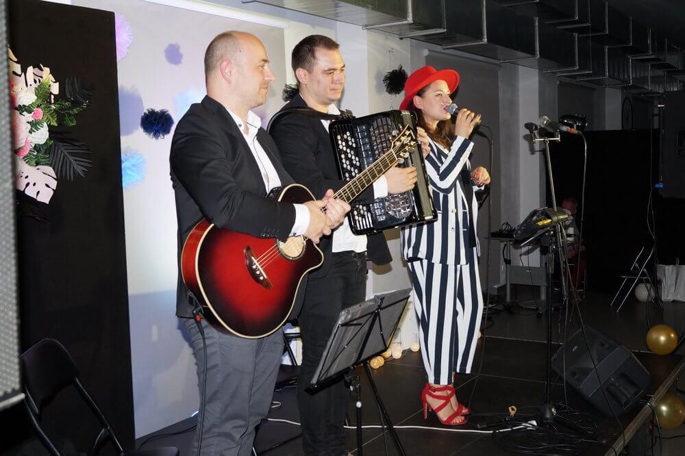 Duo Francais - akordeon gitara wokal